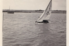 Dinghy_Race_on_River_Crouch_1___at_Hullbridge___1950s_60s